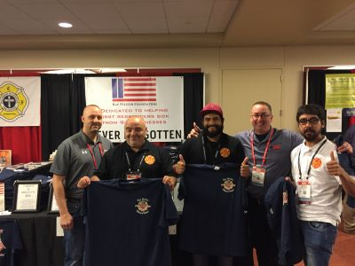 We met so many firemen from all over the world. Like this group from Chile.